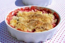 Crumble fraise rhubarbe et noix de coco