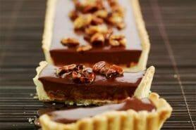 Tarte au chocolat et cacahuètes caramélisées