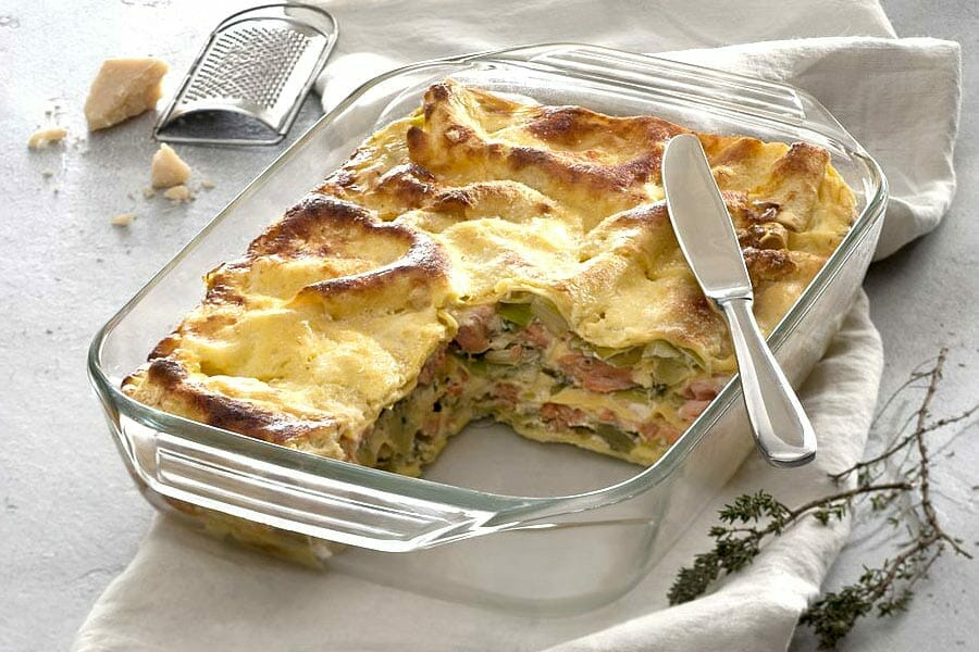 lasagnes au saumon et poireaux au thermomix cookomix. Black Bedroom Furniture Sets. Home Design Ideas