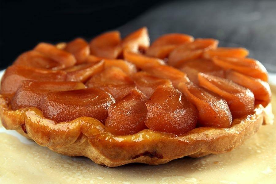 Tarte tatin au thermomix cookomix - Comment couper des pommes pour une tarte ...