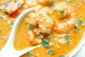 Soupe thaï crevettes et lait de coco