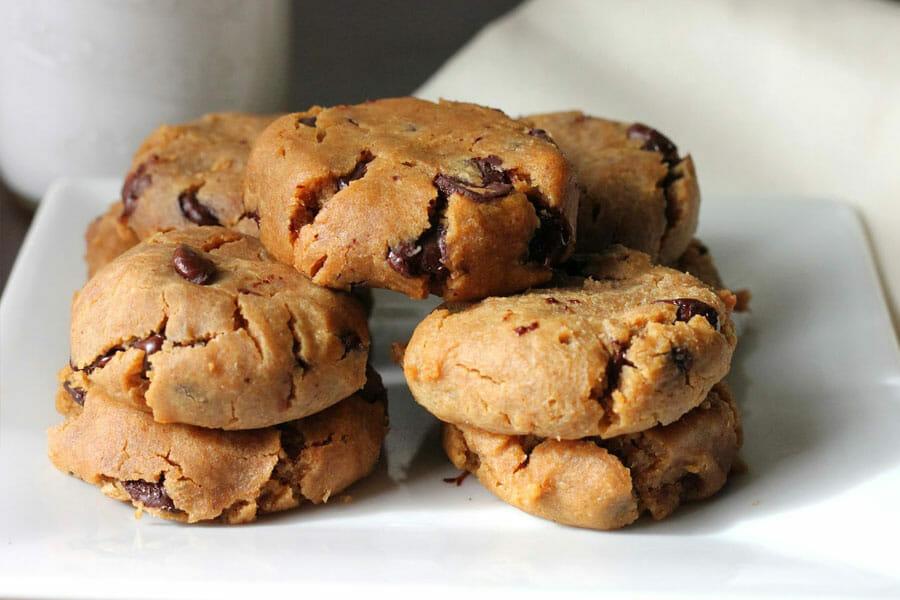 cookies beurre de cacahu te et p pites de chocolat au thermomix cookomix. Black Bedroom Furniture Sets. Home Design Ideas