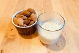 Yaourt végétal au lait d'amandes