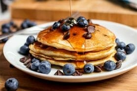 Pancake myrtilles et pépites de chocolat