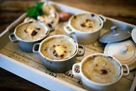 Cassolettes de champignons aux petits lardons