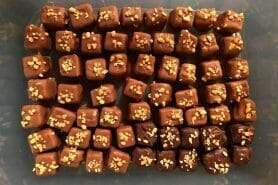 Caramels aux cacahuètes enrobés de chocolat