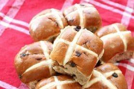 Hot cross buns – petits pains anglais de Pâques
