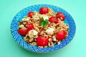 Salade d'ebly, oignon caramélisé & mozzarella