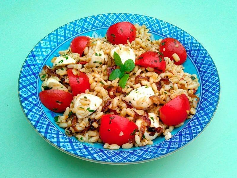 Salade d'ebly, oignon caramélisé & mozzarella au Thermomix