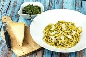 Spaghettis au pesto de menthe fraîche au Thermomix