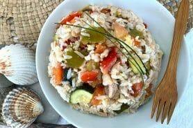 Salade de riz au thon et aux légumes croquants au Thermomix