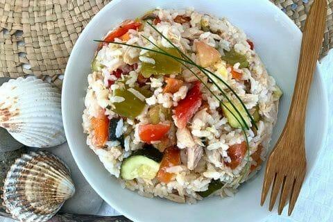 Salade de riz au thon et aux légumes croquants