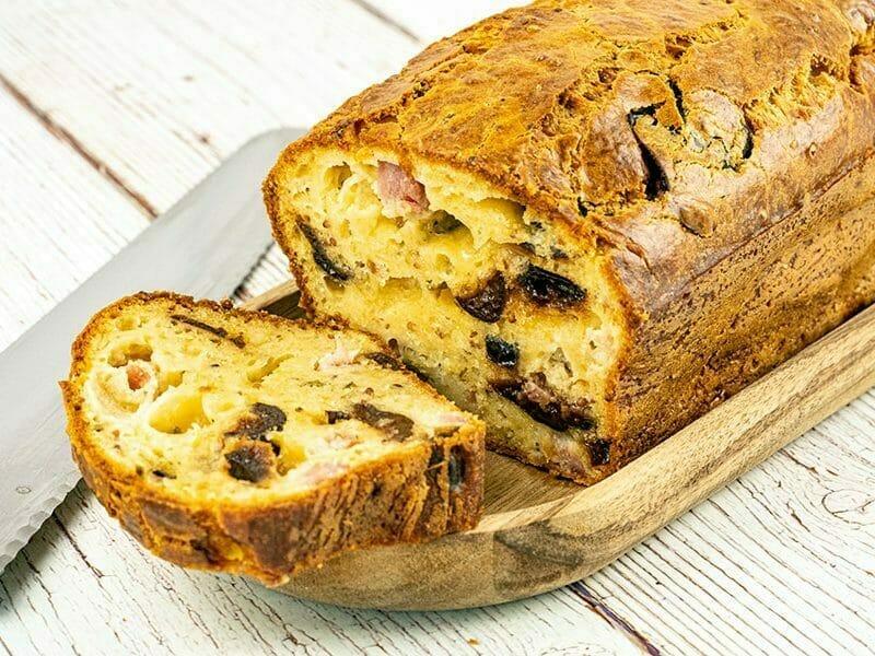 Cake aux lardons et aux pruneaux au Thermomix
