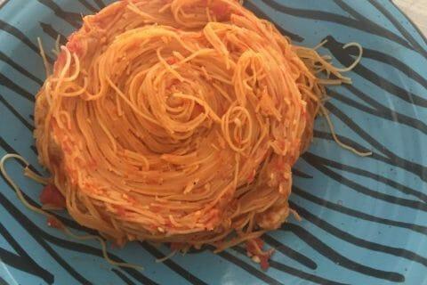 Spaghettis aux crevettes et à l'ail Thermomix par Hanene87
