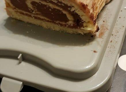 Bûche de Noël framboises et chocolat blanc Thermomix par catloveuse67
