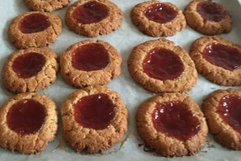 Biscuits à la confiture – Jam drops Thermomix par Jennifix