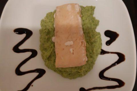 Saumon sur purée de brocolis Thermomix par Ally31