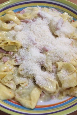Tortellini sauce crémeuse au jambon au Thermomix