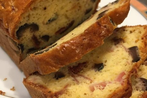 Cake salé jambon fromage et olives au Thermomix