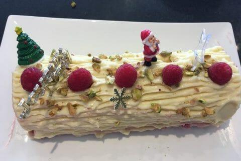 Bûche de Noël framboises et chocolat blanc Thermomix par LadyDi Tahiti