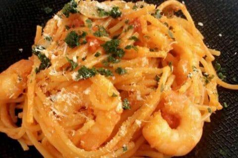 Spaghettis aux crevettes et à l'ail Thermomix par sherinette